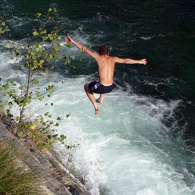 Sprung ins kalte Wasser (c) Daniel Stricker / PIXELIO